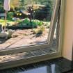 Trixie Kippfenster-Schutzgitter für ober- oder unterhalb des Fensters