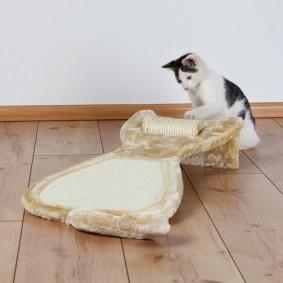Trixie Kratzbrett mit Sisalrolle 34×67×11cm - beige